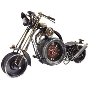 אופנוע קסטום כולל שעון רטרו