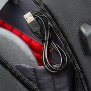 חיבור USB לתיק SWISS
