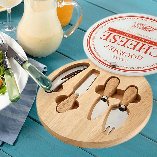 מתנה לשבועות – סט מהודר לחיתוך והגשת גבינות
