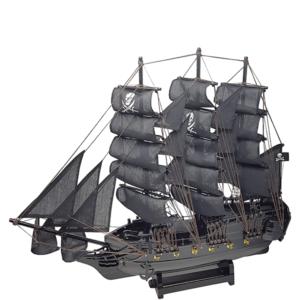 אוניית מפרשים שחורים מתנה למנהל