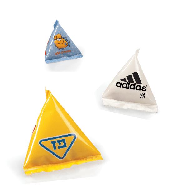 פירמידות ממותגות במילוי עדשים