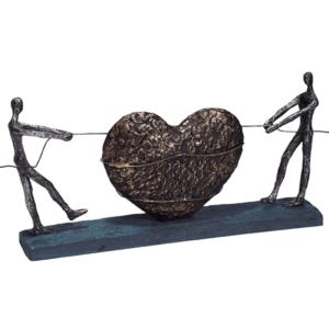 פסל אמנותי לעסק זוג עם לב