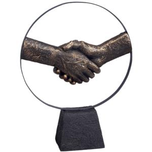 פסל ברונזה אמנותי למשרד לחיצת יד