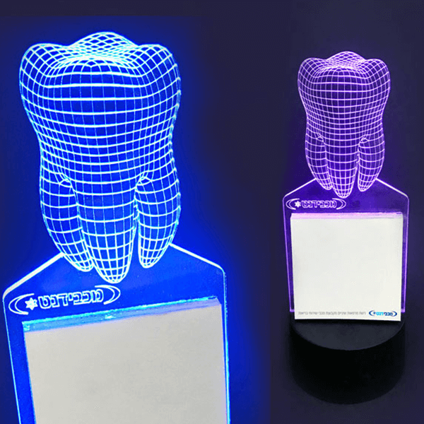 גוף תאורה שולחני ממותג